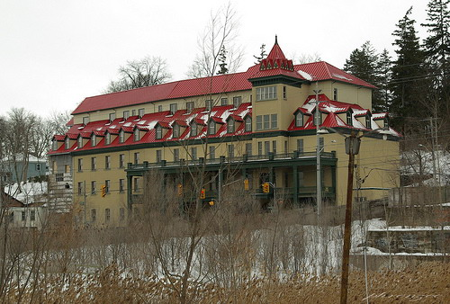 Sulphur Springs Hotel courtesy submitter