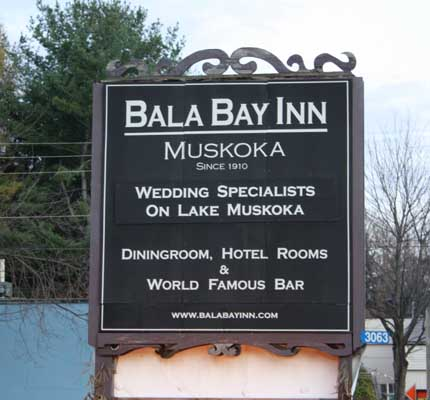 sign Bala Bay Inn